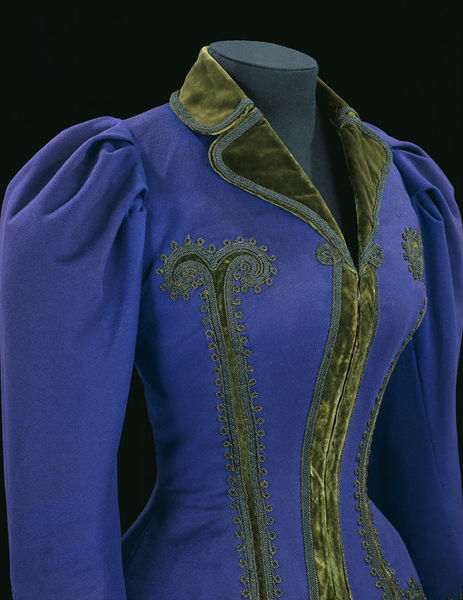 Jacket and skirt, Great Britain, Uk, ca. 1895, Superfine wool, trimmed with velvet and braid, metal, lined with silk and glazed cotton, boned, Victoria & Albert Museum, T.173&A-1969