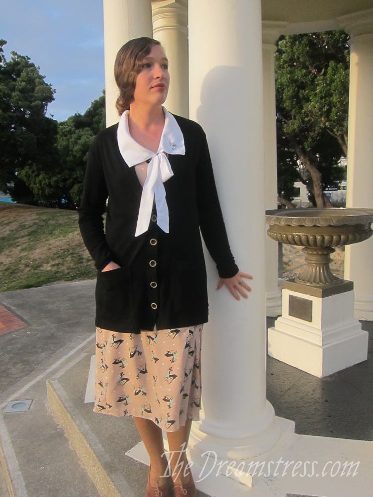 A 1920s inspired cardigan thedreamstress.com