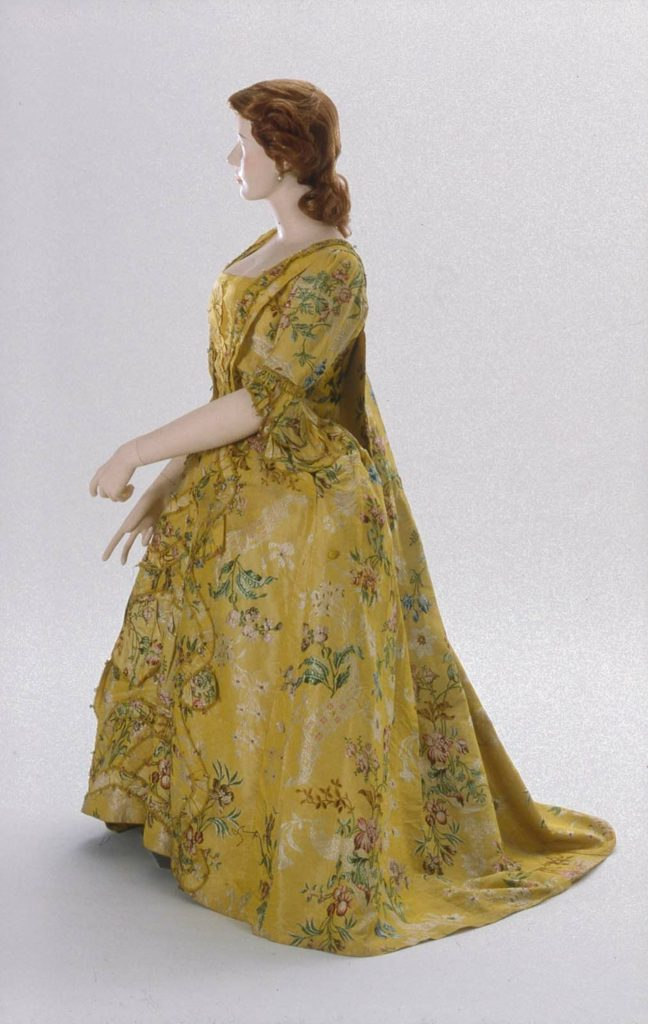Dress, English, about 1745, dress restyled about 1760, brocaded silk, MFA Boston, 43.1639a-b