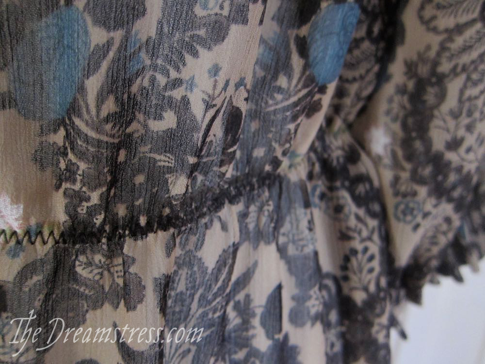 How to add an elastic waist to the Scroop Henrietta Maria dress thedreamstress.com