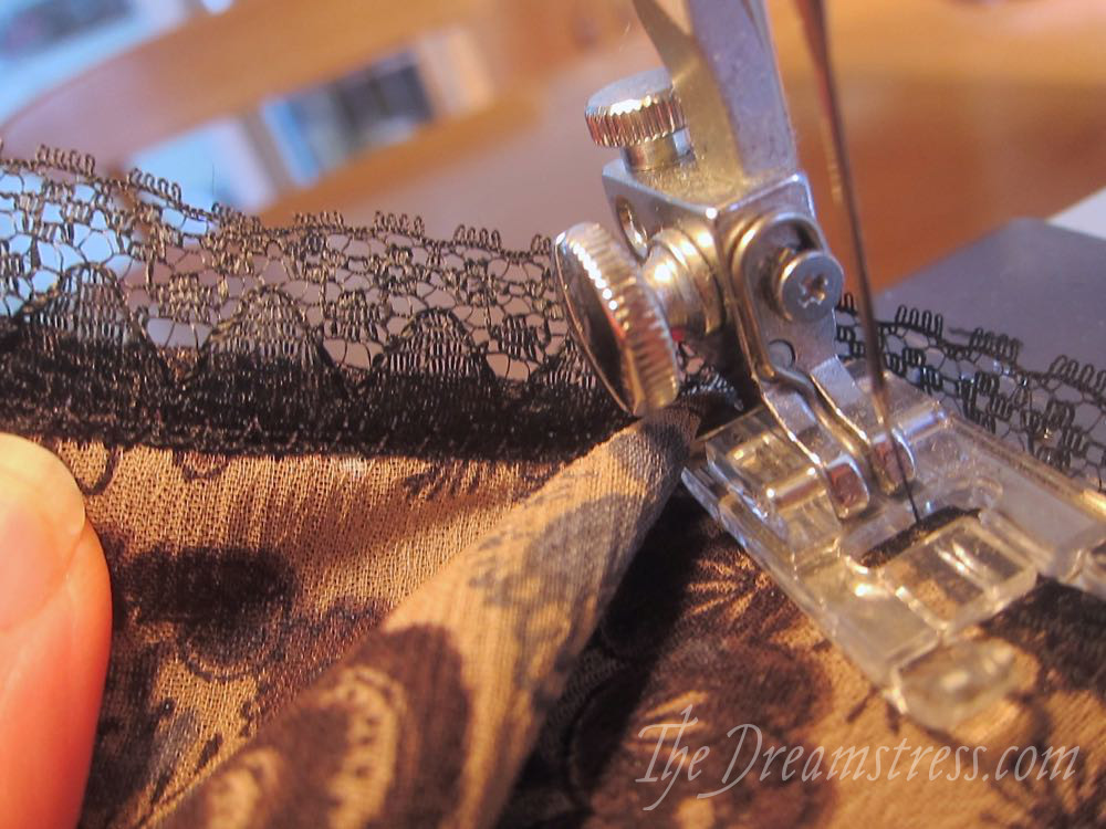 How to apply lace as an edge finish for the Scroop Henrietta Maria dress thedreamstress.com