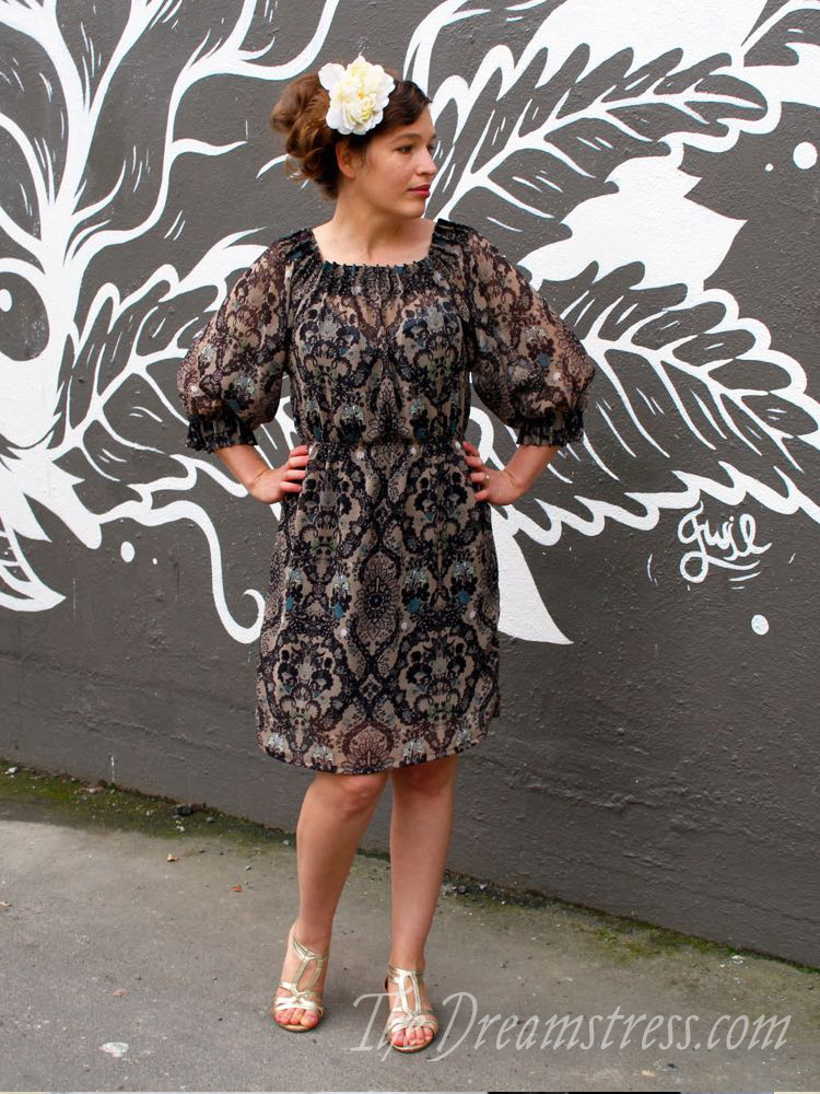 The Scroop Henrietta Maria dress with elastic waist thedreamstress.com