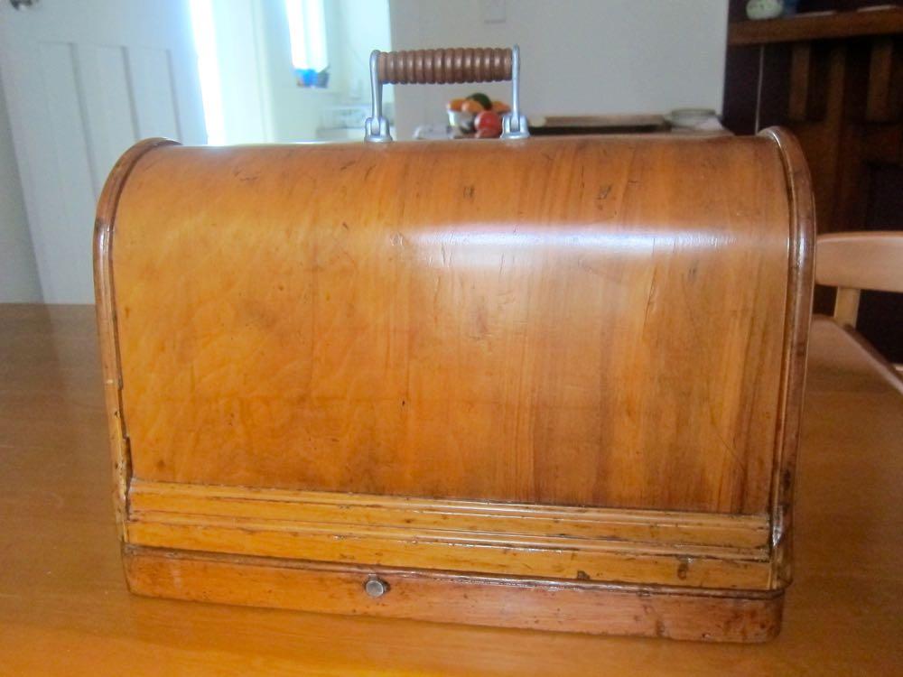 1893 Singer 27 series, VS-3, thedreamstress.com