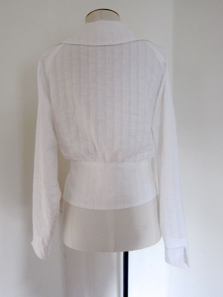 A 1914-16 blouse sewn on a Singer 27 vibrating shuttle thedreamstress.com