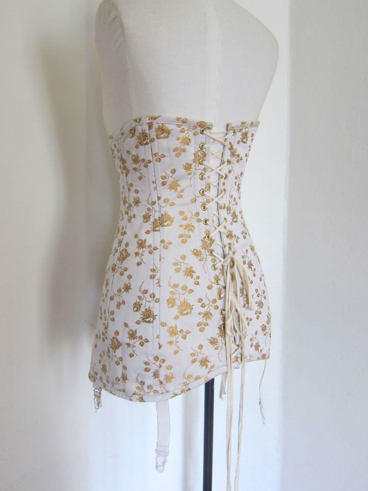 1913-1916 Sunshine & Roses corset thedreamstress.com