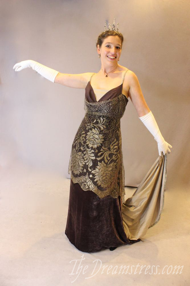 A 1914 Cobwebs evening gown, thedreamstress.com
