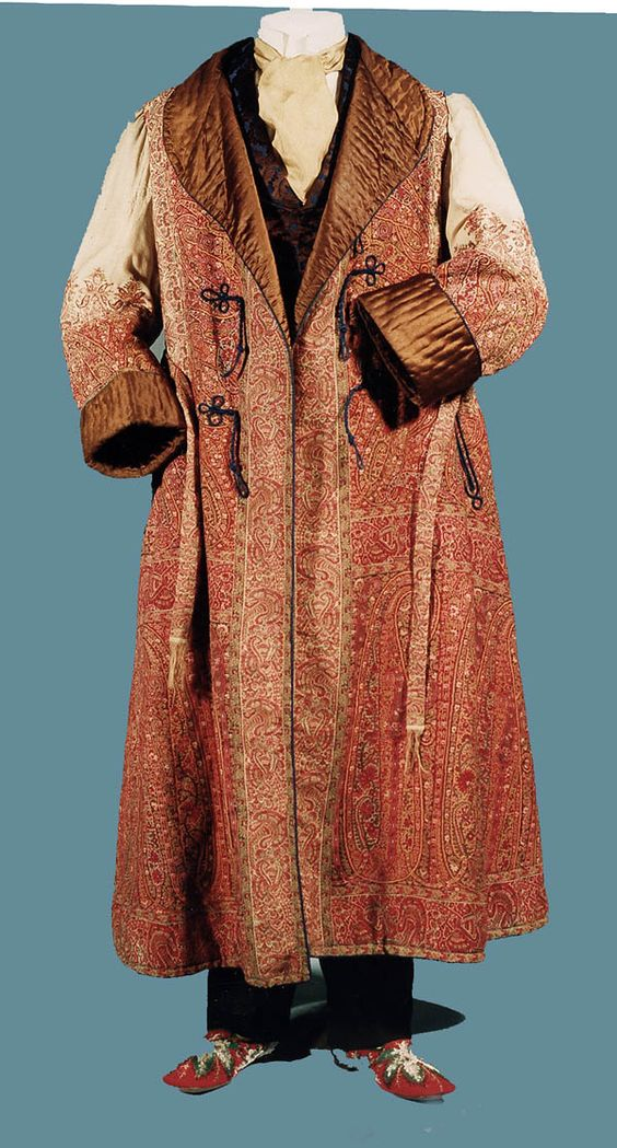 Gentlemen's Paisley Wool Dressing Gown. English, c. 1875, fotki.yandex.ru