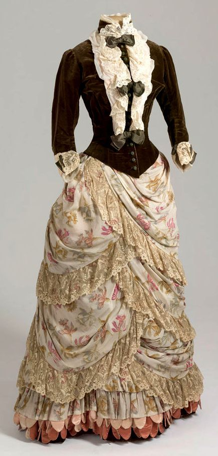 Dress worn by Empress Maria Feodorovna, 1886-87, The State Hermitage Museum