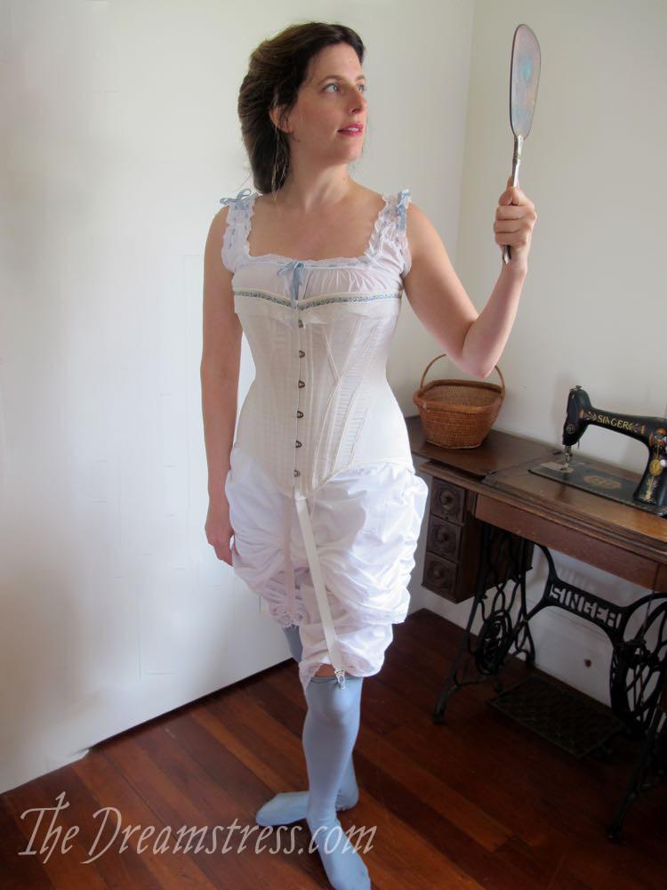 Corset circa 1905, thedreamstress.com