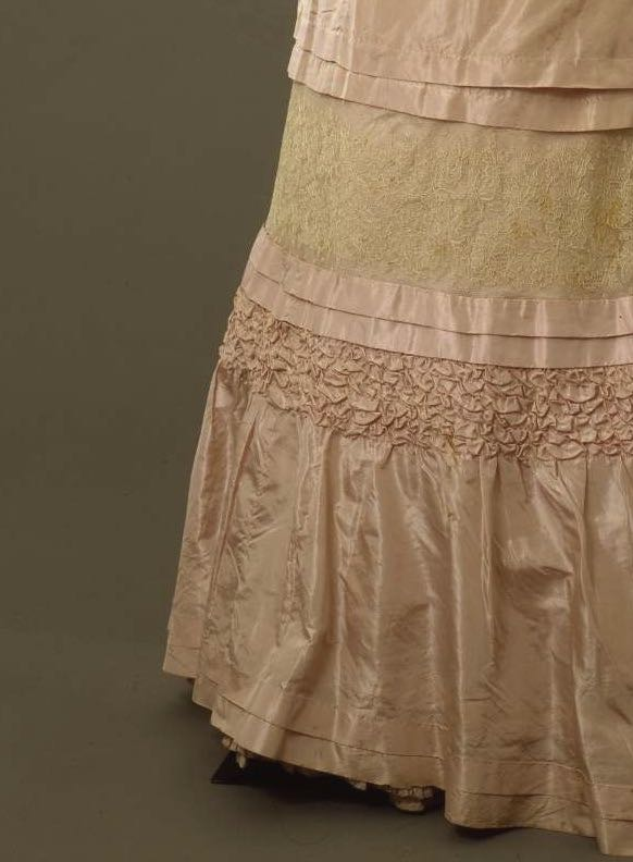 Day dress, silk faille with mechanical lace, ca. 1904-1905, Sartoria Robes & Confections D. E. Carena, Firenze, 00000107, Galleria del Costume di Palazzo Pitti, via Europeana Fashion