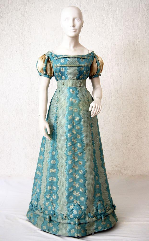 Dress, ca. 1820, location unknown