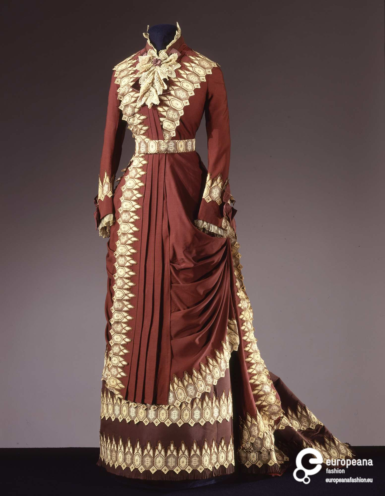 Afternoon dress, Atelier Worth, ca. 1880, Galleria del Costume di Palazzo Pitti, 00000341