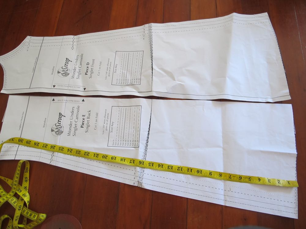 Scroop Skirt slip tutorial thedreamstress.com
