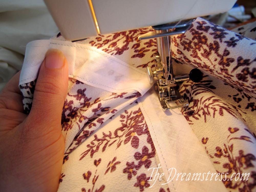 Tutorial: a drawstring waist for the Henrietta Maria scrooppatterns.com