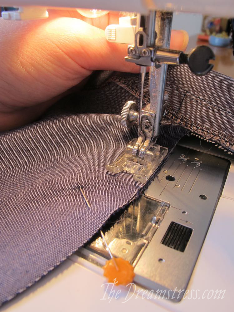 How to add pockets to the Scroop Modern Fantail skirt thedreamstress.com