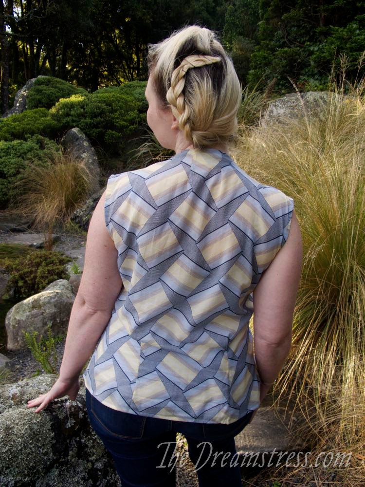 The Scroop Ngaio Blouse thedreamstress.com