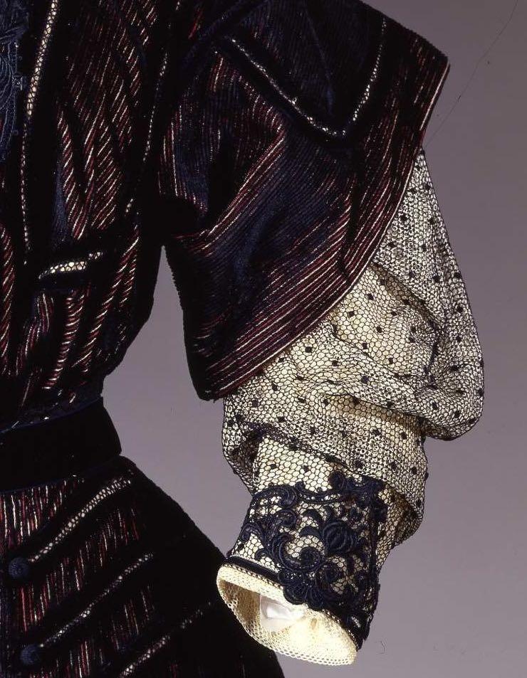 Afternoon dress, silk & cotton, ca 1905, Galleria del Costume di Palazzo Pitti, 000003281, via EuropeanaFashion