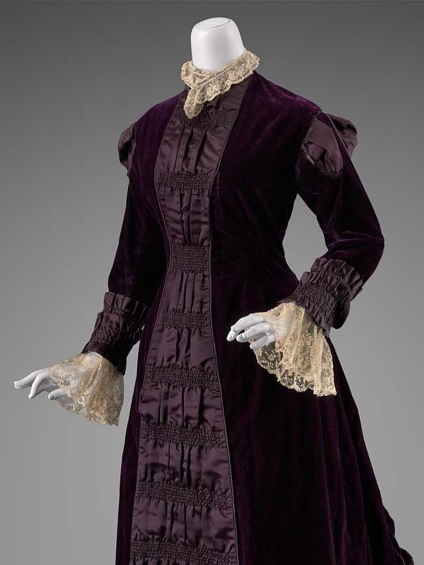 Reception dress, possibly American, about 1880, Silk velvet trimmed with silk satin and cotton machine lace, MFA Boston, 2007.501