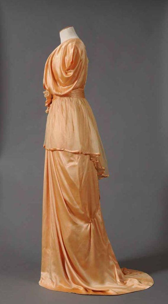 Robe de Soir, 1914, Satin (présence de fibres artificielles?) mousseline de soie, Musées départementaux de la Haute-Saône, 1951.4.190