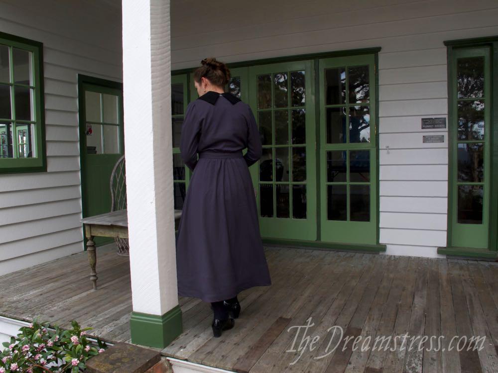 Winter 1915-16 dress, thedreamstress.com