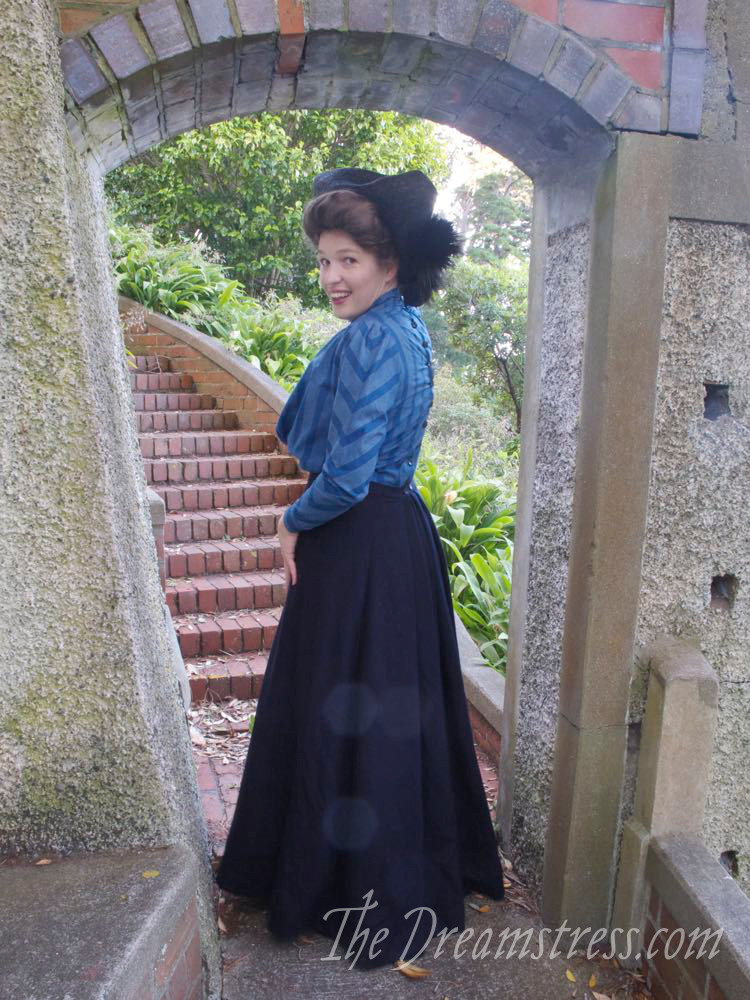 1910s Tricorne Hat thedreamstress.com