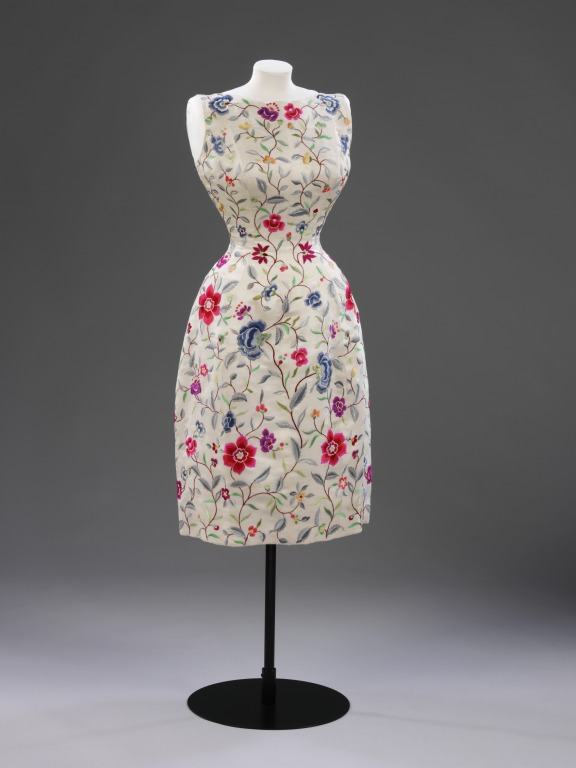 Evening dress, Paris, 1960-1962, Balenciaga, Cristóbal, born 1895 - died 1972 (designer), Embroidered wild silk lined with silk, Victoria & Albert Museum, T.27-1974