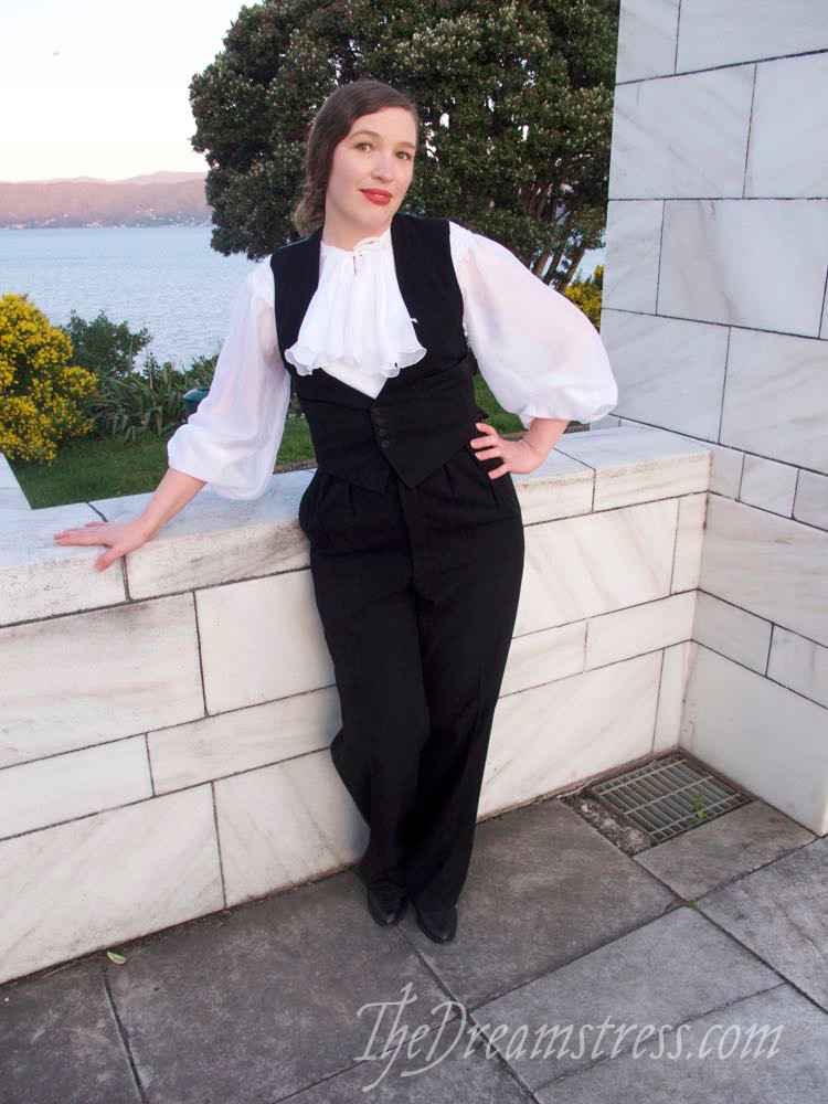 Wearing History's Nanette Blouse thedreamstress.com