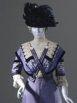 Woman's Dress, United States, 1909-1911 Costumes; principal attire (entire body) Silk twill, printed, silk and linen lace, and silk velvet ribbon, LACMA, M.85.160.3