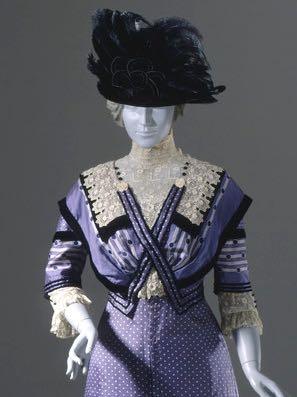 Woman's Dress, United States, 1909-1911 Costumes; principal attire (entire body) Silk twill, printed, silk and linen lace, and silk velvet ribbon, LACMA, M.85.160.3