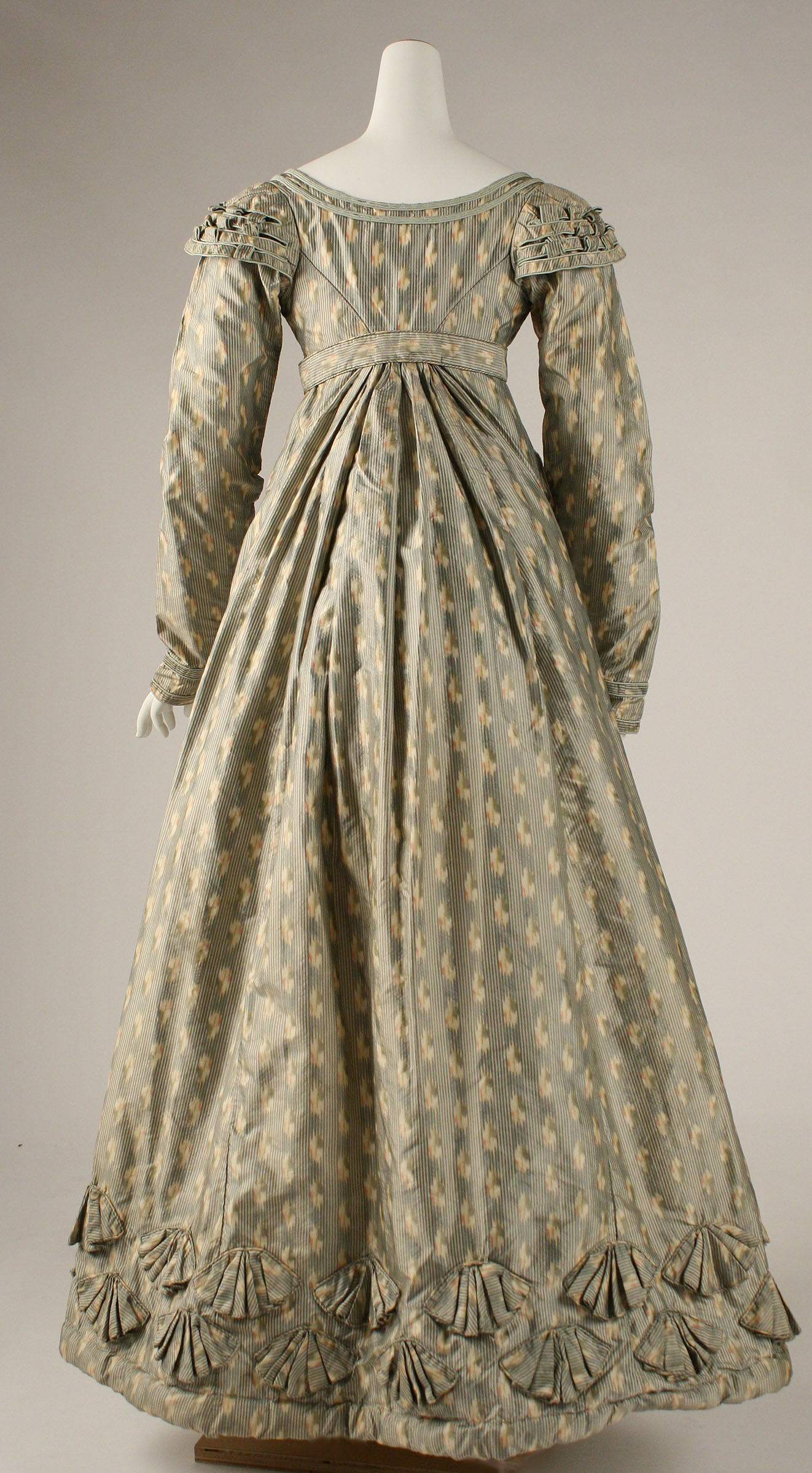 Dress, ca. 1820, British, silk, Metropolitan Museum of Art, 1971.242.1a–e