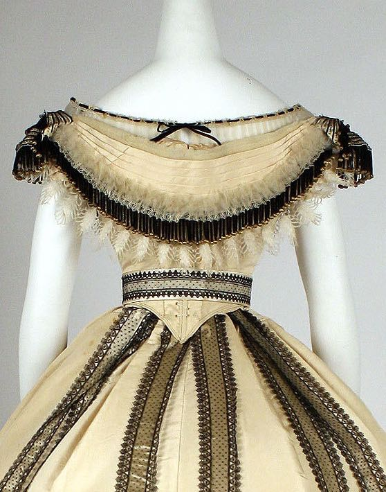 Ball gown, Emile Pingat (French active-1860–96) ca. 1864, French, silk, Metropolitan Museum of Art C.I.69.33.12a–c
