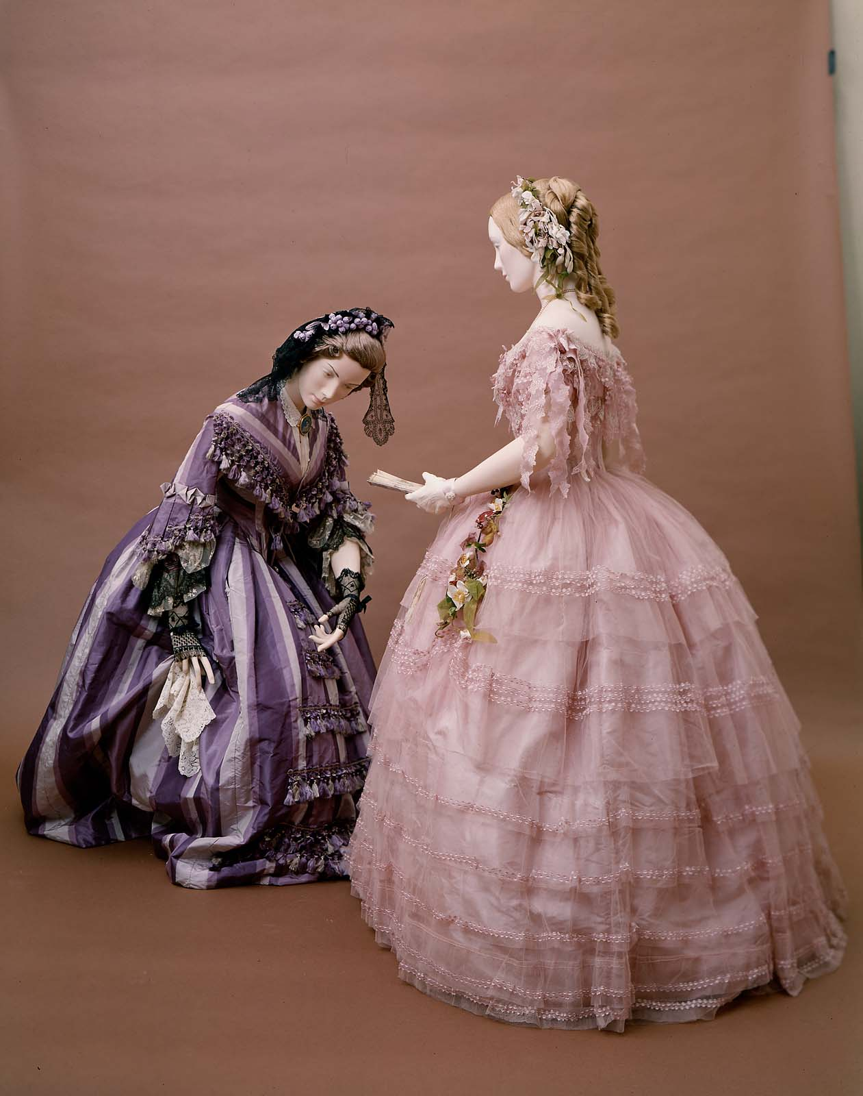Woman's dress, American about 1856–58, Silk plain weave ( taffeta), trimmed with silk fringe tassels, machine embroidered net, bobbin lace, MFA Boston, 50.474a-b