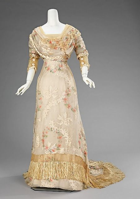Dinner dress, 1910–12, American, silk, Brooklyn Museum Costume Collection at The Metropolitan Museum of Art, 2009.300.1303