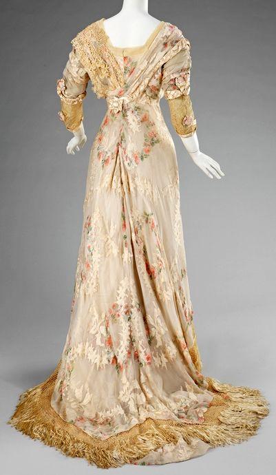 Dinner dress, 1910–12, American, silk, Brooklyn Museum Costume Collection at The Metropolitan Museum of Art, 2009.300.1303