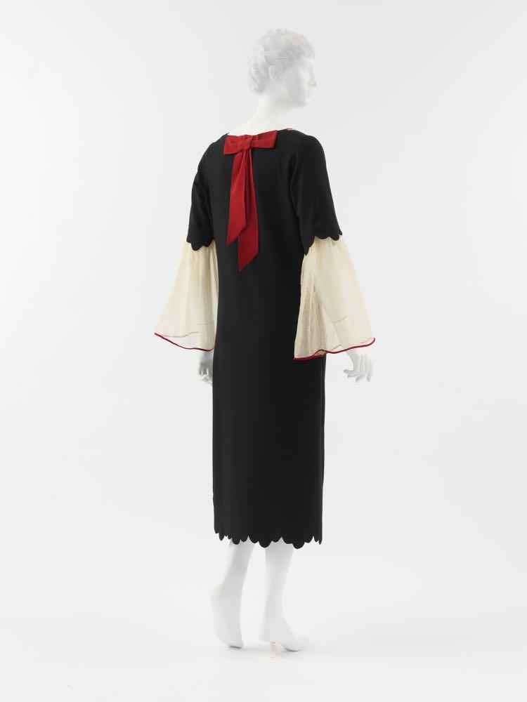 Dress Paul Poiret (French, Paris 1879–1944 Paris) Date- 1925, wool, silk, Metropolitan Museum of Art, C.I.50.117