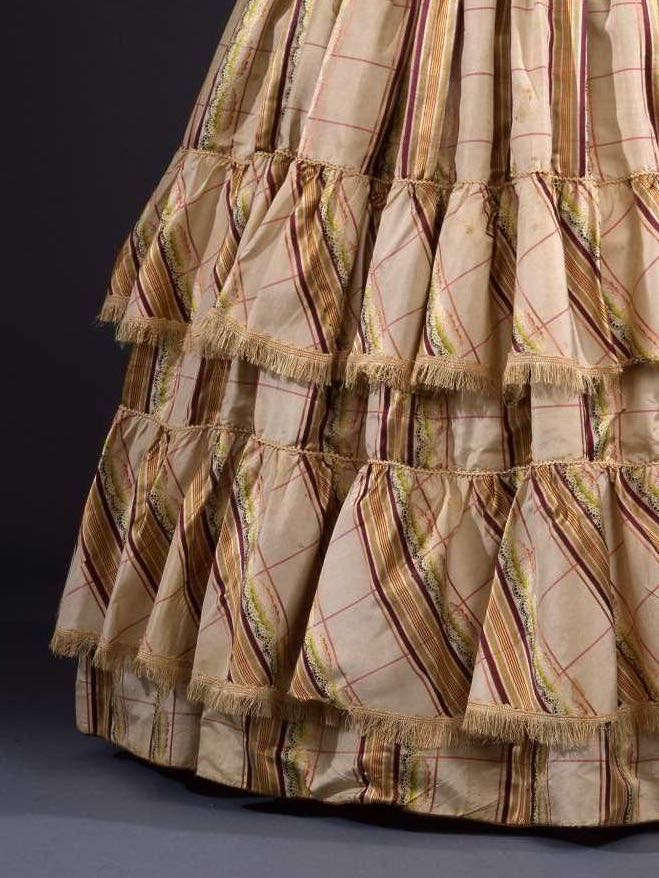 Dress, French, Silk, 1845-1848, Galleria del Costume di Palazzo Pitti via Europeana.eu