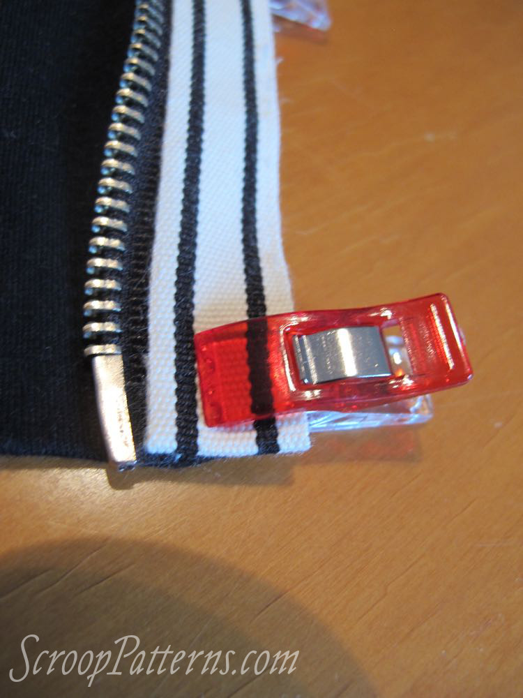 Otari Hoodie Sew Along Part 9 Zip Tape scrooppatterns.com