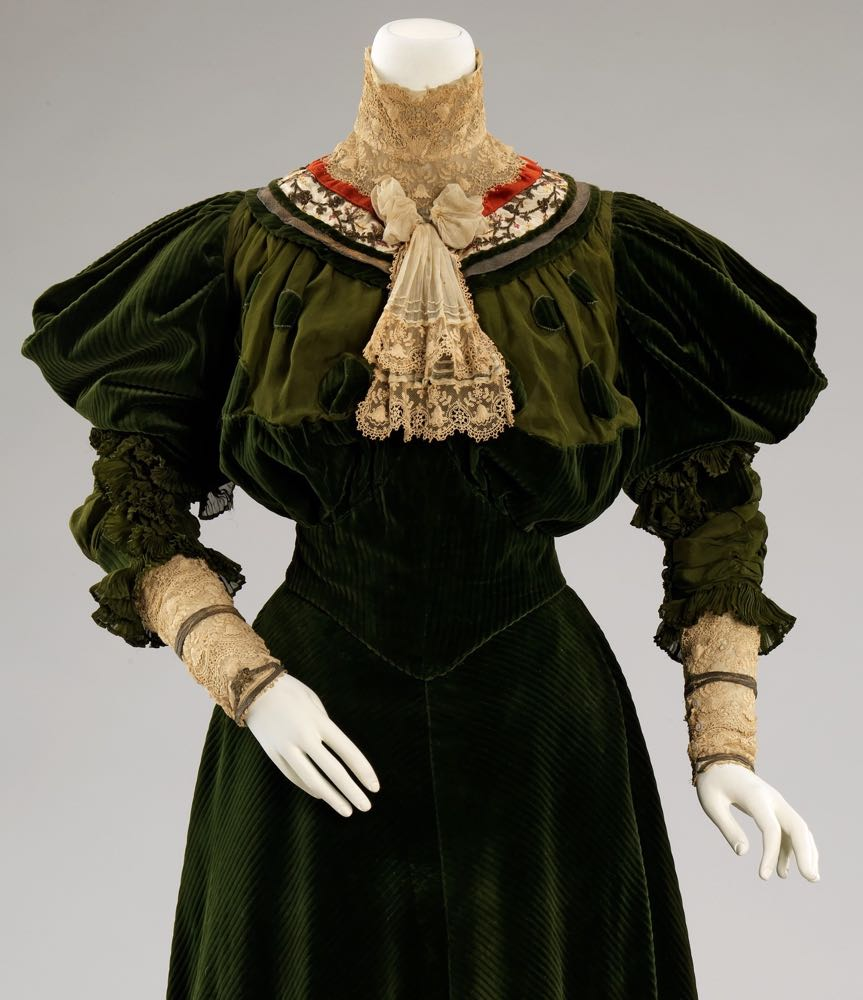 Dinner dress, Jeanne Hallée (French, 1880–1914), 1894–96, French, cotton, silk, metal, Metropolitan Museum of Art, 2009.300.374a, b