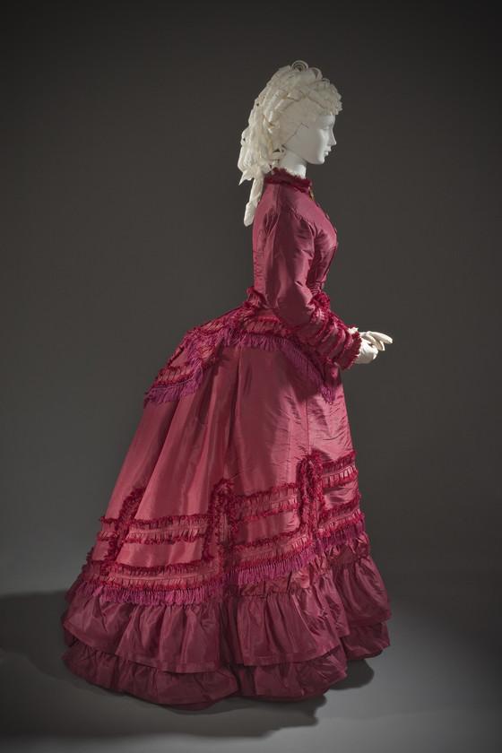 Woman's Dress Ensemble, United States, circa 1870, Silk taffeta, linen plain weave, and cotton twill weave with silk macramé fringe, LACMA, M.2007.211.773a-d