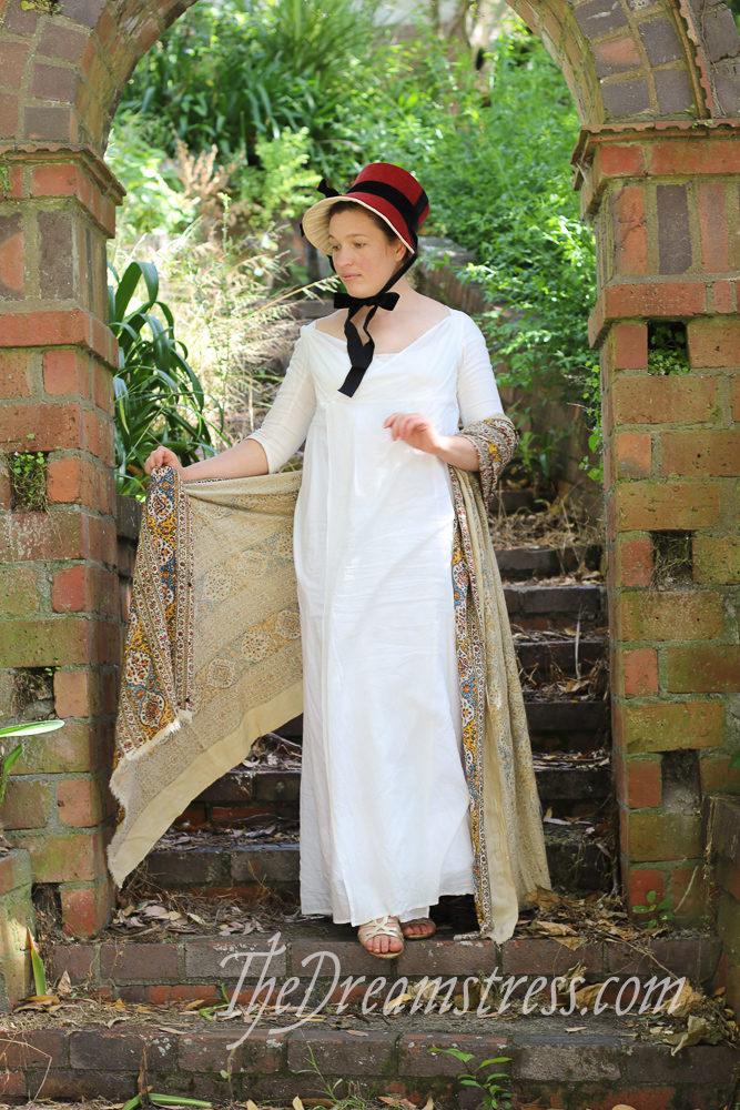 A velvet Regency bonnet thedreamstress.com