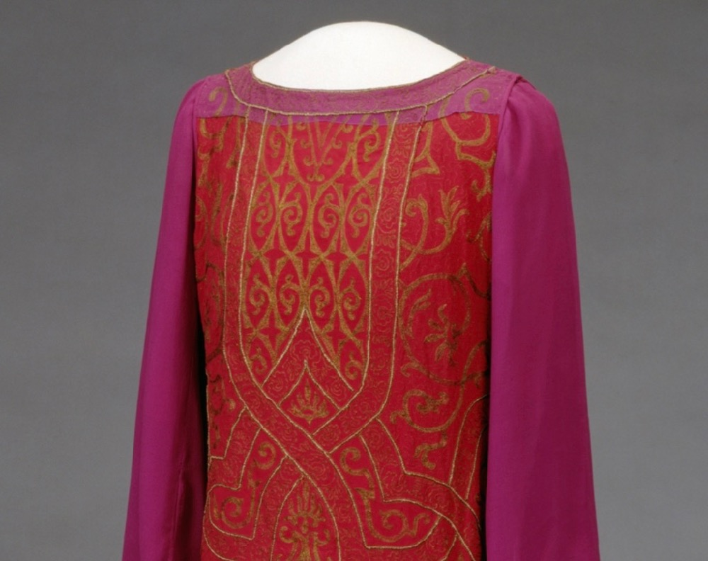 Dress, ca. 1923-1925, silk metal, Nasjonalmuseet for kunst, arkitektur og design via DigitalMuseum.no