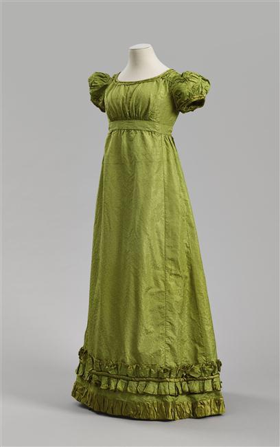 Evening dress, 1810-1815, silk, Rueil-Malmaison, châteaux de Malmaison et Bois-Préau, M.M.2014.7.1