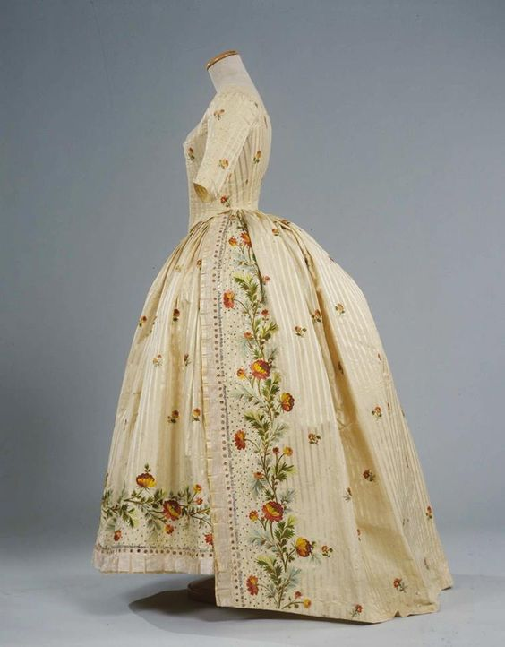 Robe à l'anglaise ca. 1780 From the Galleria del Costume di Palazzo Pitti via Europeana Fashion