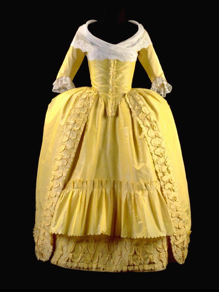 Robe à l'anglaise retroussée ca. 1780-82 From the Gemeentemuseum via Vergeten Harlingers