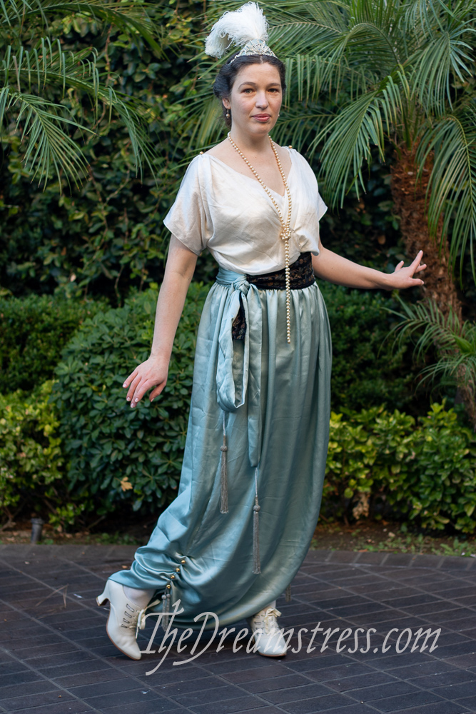 Lounging pyjamas inspired by a pair by Callot Soeurs at LACMA thedreamstress.com