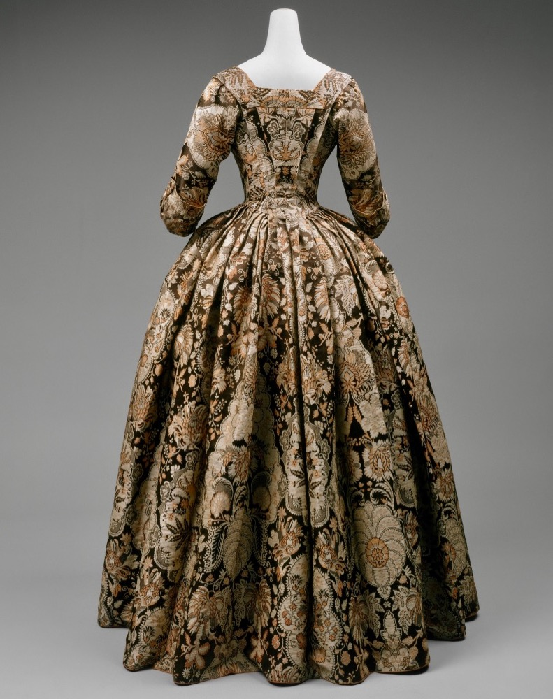Gown, ca. 1725, British, silk, Purchase Irene Lewisohn Bequest 1964 Metropolitan Museum of Art C.I.64.14