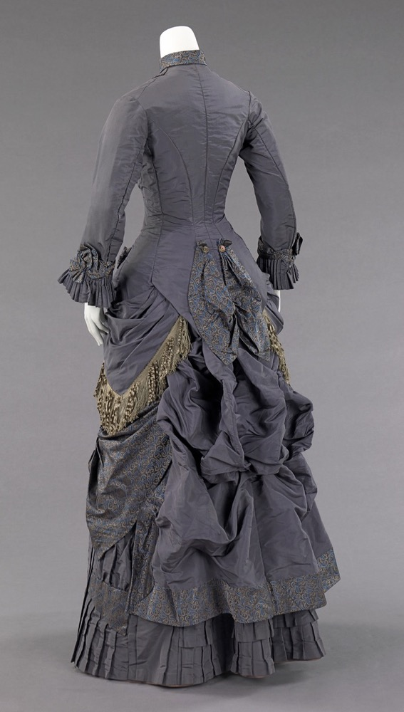 Afternoon ensemble, 1878–82, American, silk, abalone. Brooklyn Museum Costume Collection at The Metropolitan Museum of Art, 2009.300.87a–c