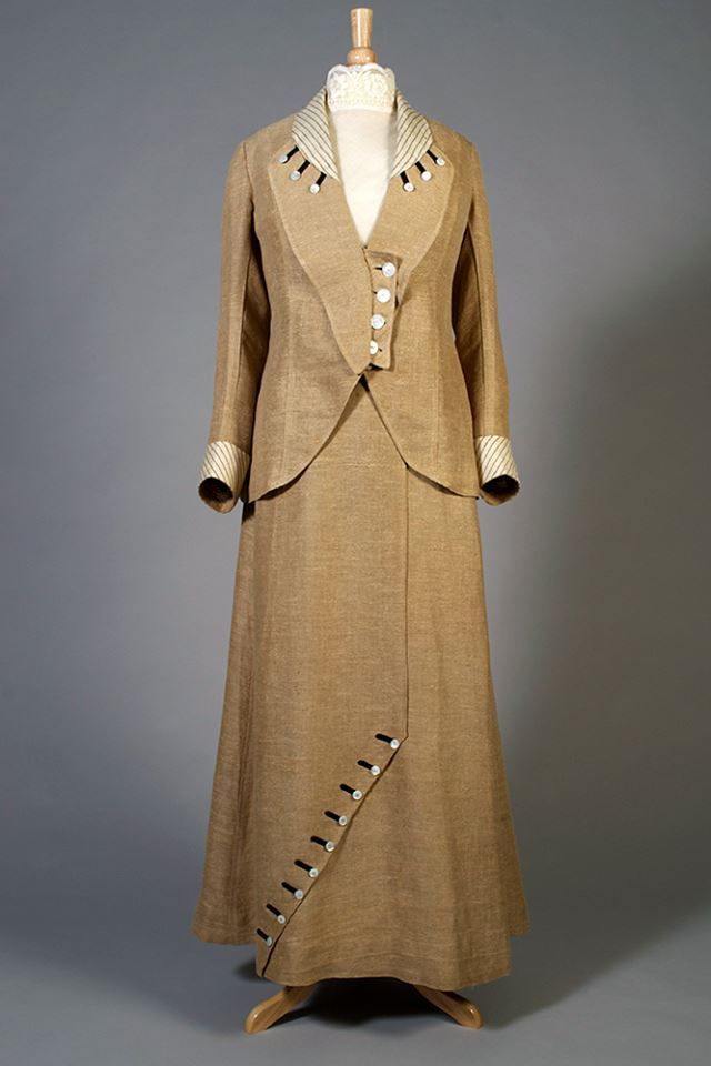 Suit, ca. 1910-14, linen with braid trim, Kent State University Museum 1983.001.0256 ab