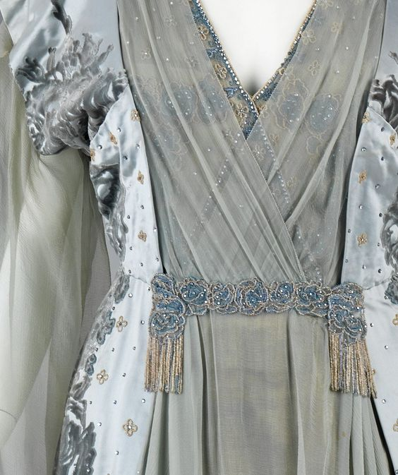 Tea Gown, House of Worth (French, 1858–1956), ca. 1910, French, silk, rhinestones, metal, Brooklyn Museum Costume Collection at The Metropolitan Museum of Art, 2009.300.3277