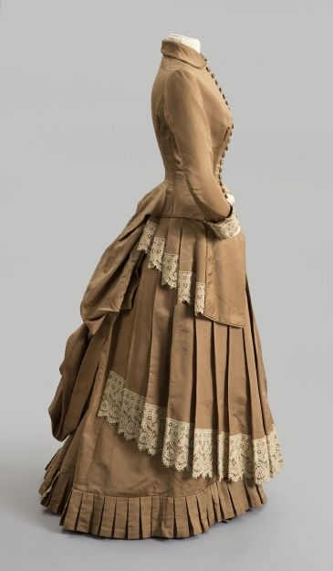 Day dress, 1882-3, Ribbed silk with embroidered cutwork trim, Gift of Elsie Gray Townsend, Albany Institute, 1947.43.2ab